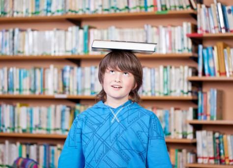 Junge Buch Foto 2